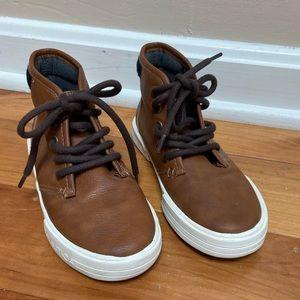 Boys EUC Nautica  Chukka Sneakers Dress Shoes 13